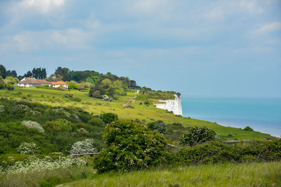 the first part of the path on the white cliffs of Dover