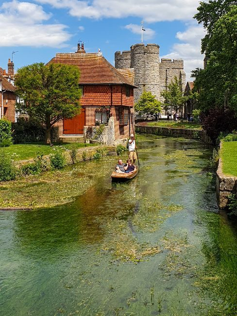 boat trip on the river Stour