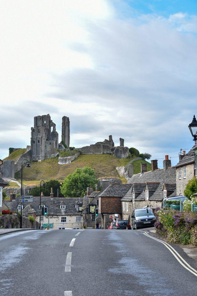 le rovine di corfe castle