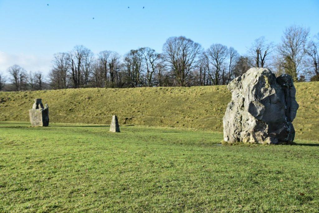 circle of stones of avebury