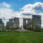 the circle of stonehenge stones