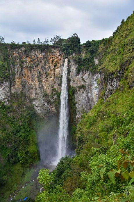 cascata a sumatra