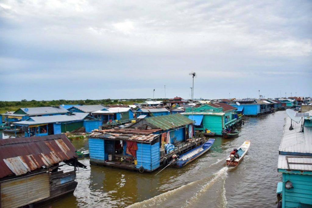 villaggio galleggiante, cambogia