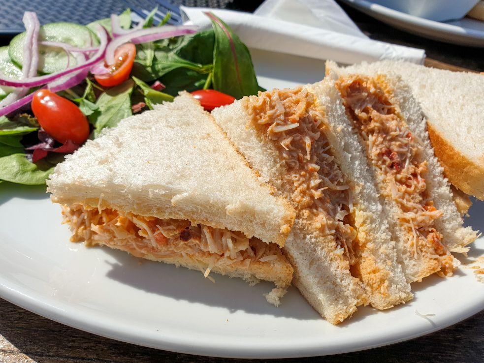 sandwich con granchio